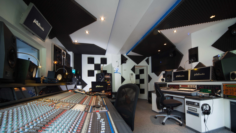 Studio1_16x9